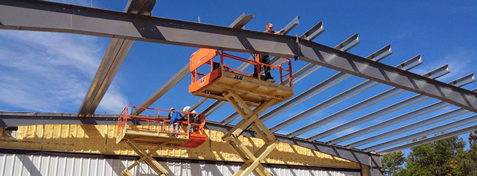 assembling beams for a steel frame structure